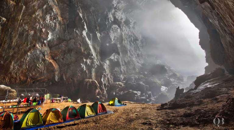 Các khu cắm trại của những đoàn du lịch mạo hiểm