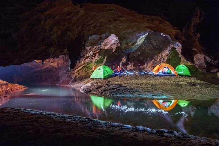 Cắm trại ở Hang Chòi Lòi, xã Ngân Thuỷ, Lệ Thuỷ