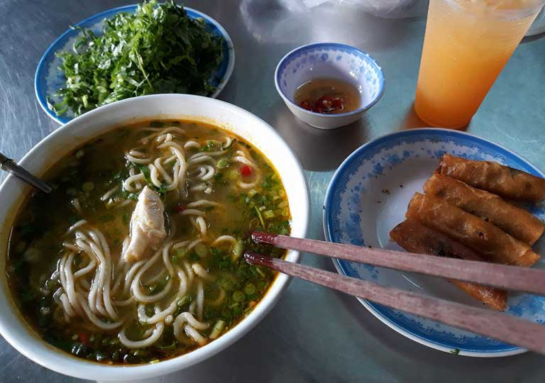 Cháo canh là món ăn quen thuộc của người dân Quảng Bình