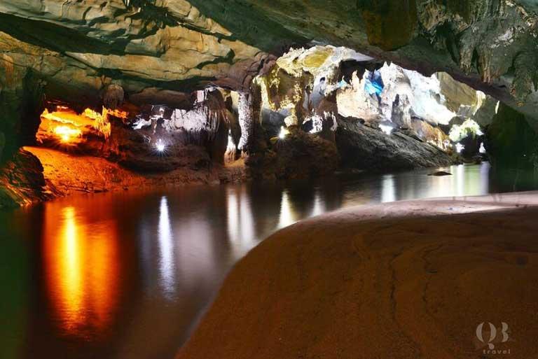 Động Phong Nha sở hữu hang sông dài nhất