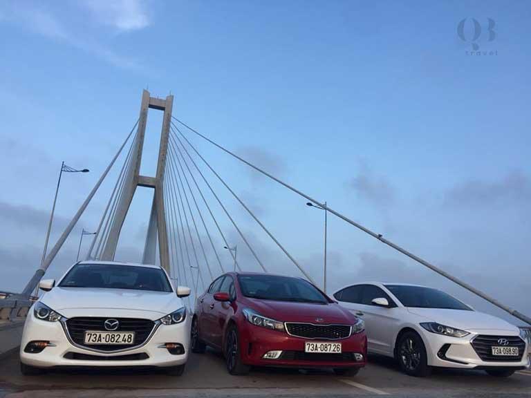 Du khách nên cân nhắc đến ưu, nhược điểm và giá cả trước khi thuê xe ô tô tự lái tại Đồng Hới Quảng Bình