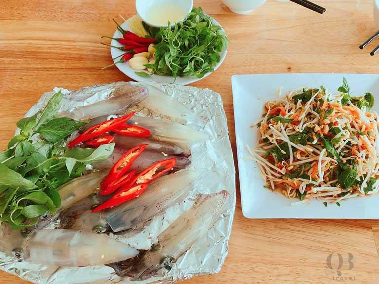 Món mực nhảy ngon nổi tiếng của nhà hàng Bình Minh