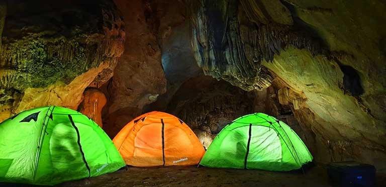 Dụng cụ quan trọng đầu tiên là lều cắm trại
