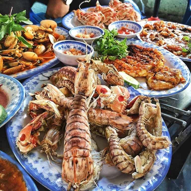 Hương vị đồ biển của Thanh Thanh ngon không kém nhà hàng