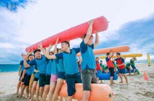 Teambuilding được tổ chức ở bãi biển với thời tiết lý tưởng