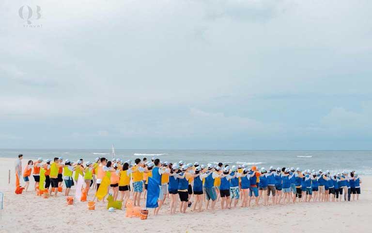 Chương trình team building ở biển Nhật Lệ