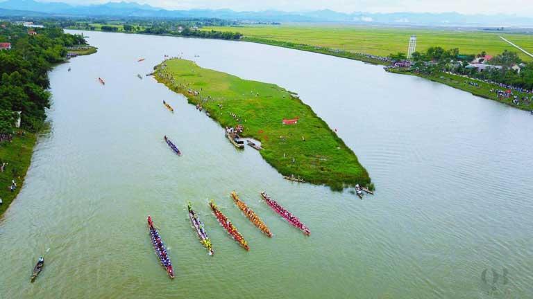 Đoạn trở cồn nổi trên sông Kiến Giang thuộc khu vực thôn Xuân Bồ